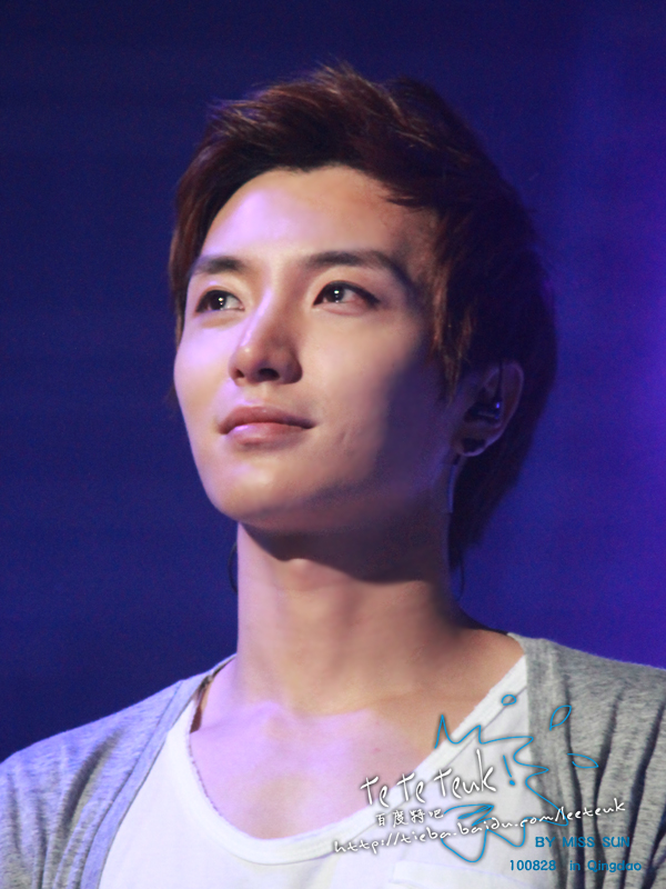 Lee Teuk - Photo Gallery